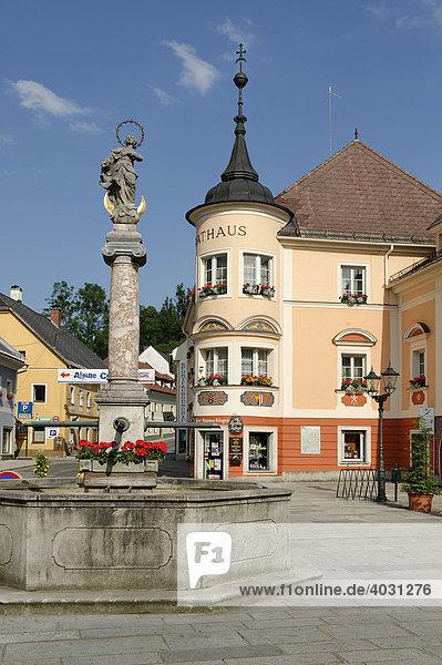 Marktplatz mit Rathaus  Windischgarsten  Oberösterreich  Österreich  Europa