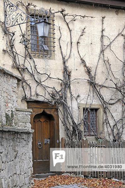 Tür vom Burghotel  Nebeneingang  Rothenburg ob der Tauber  Bayern  Deutschland  Europa
