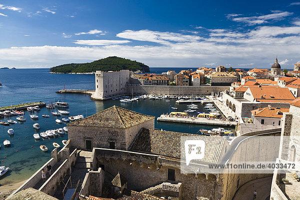 Port and historic city centre of Dubrovnik  Ragusa  Dubrovnik-Neretva  Dalmatia  Croatia  Europe