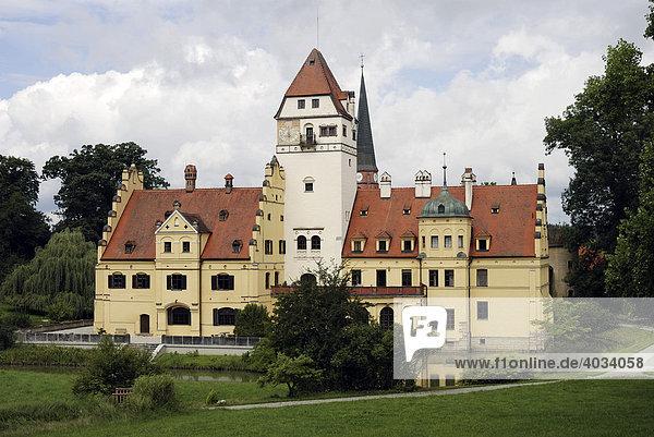 Wasserschloss in Schönau  Niederbayern  Deutschland  Europa
