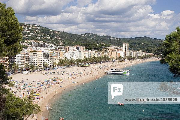 Blick auf Lloret de Mar  Costa Brava  Spanien  Europa