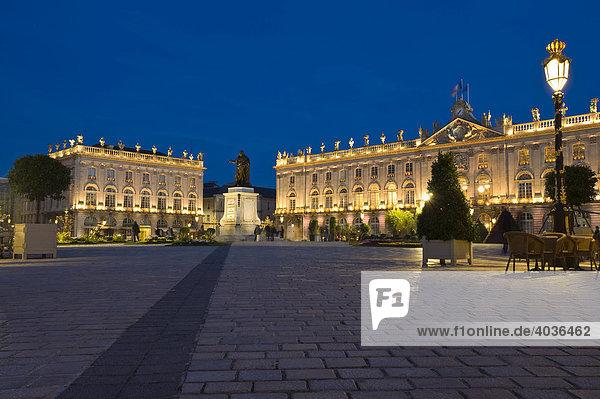 Memorial to Stanislas  Grand Hotel  Hotel de Ville  City Hall  Place Stanislas in Nancy  Lorraine  France  Europe