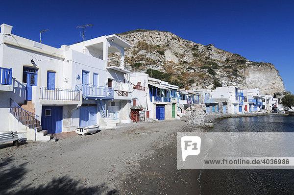Häuserfronten  kleines Fischerdorf Klima auf der Insel Milos  Kykladen  Griechenland  Europa