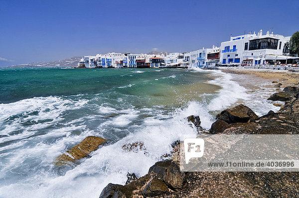 Strand vor Little Venice  Mykonos  Kykladen  Griechenland  Europa