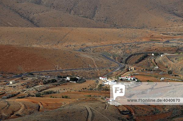 Blick vom Aussichtspunkt Mirador Morro Velosa zum Valle de Santa Ines  Betancuria  Fuerteventura  Kanarische Inseln  Spanien  Europa