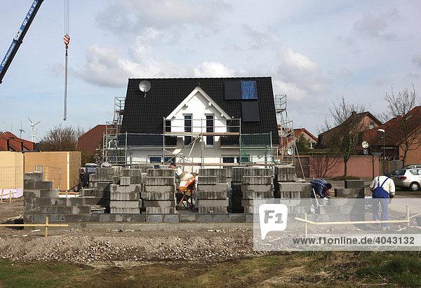 Bau eines Einfamilienhauses aus Stein und Beton  Recklinghausen  Nordrhein-Westfalen  Deutschland  Europa
