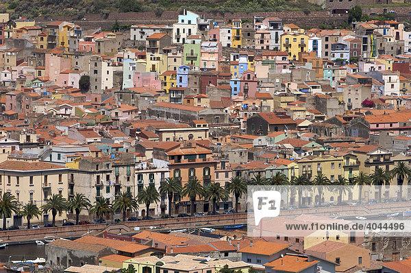 Blick über Altstadt von Bosa  Sardinien  Italien  Europa