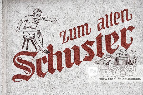Schriftzug zum alten Schuster  Gasthof  Bad Brückenau  Rhön  Unterfranken  Bayern  Deutschland  Europa