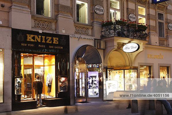 Abendliche Einkaufsmeile Graben  Innere Stadt  Wien  Österreich  Europa