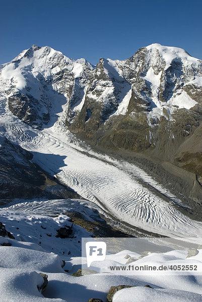 Piz Bernina  4048 m über NN  einziger Viertausender und höchster Berg der Ostalpen  und Piz Morteratsch  3751 m über NN  Bündner Alpen  Kanton Graubünden  Schweiz  Europa