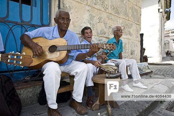 Musikanten in der Altstadt von Havanna  Kuba  Cuba  Karibik