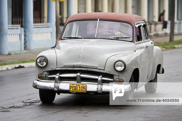 Oldtimer  Stadt Pinal del Rio  Provinz Pinar del Rio  Kuba  Cuba  Karibik