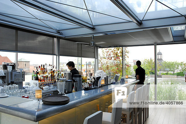 bar cafe dachterrasse zum blue spa bereich bayern deutschland europa innenstadt m nchen. Black Bedroom Furniture Sets. Home Design Ideas