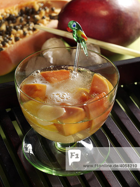 Mango Papaya Bowle im Glas - Rezeptdatei vorhanden Mango Papaya Bowle im Glas - Rezeptdatei vorhanden