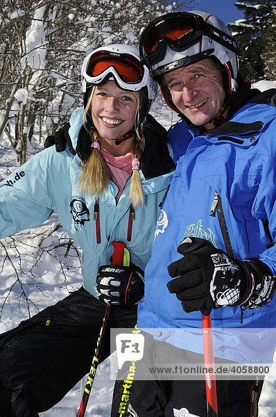 Skifahrer im Skigebiet Spitzing  Bayerische Alpen  Bayern  Deutschland  Europa