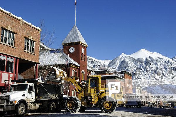 Schneeräumer in der Mainstreet in Telluride  Colorado  USA