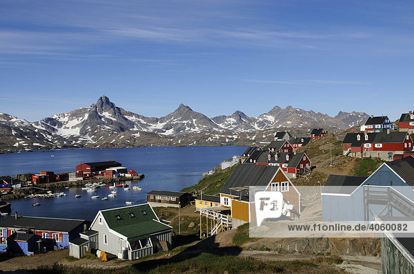 Ortschaft im Kong-Oscar-Fjord  Tasiilaq  Ammassalik  Ostgrönland  Grönland