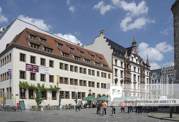 Nikolaikirchhof mit Alter Nikolaischule und Predigerhaus  Leipzig  Sachsen  Deutschland  Europa