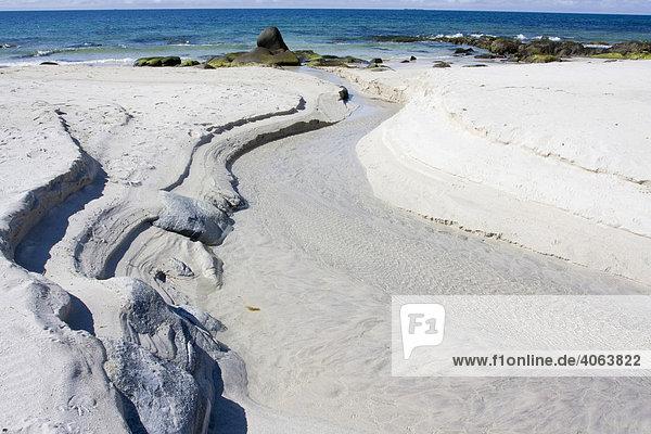 Strömungsmuster  Sandstrand  Vikten  Lofoten  Norwegen  nördlich des Polarkreises