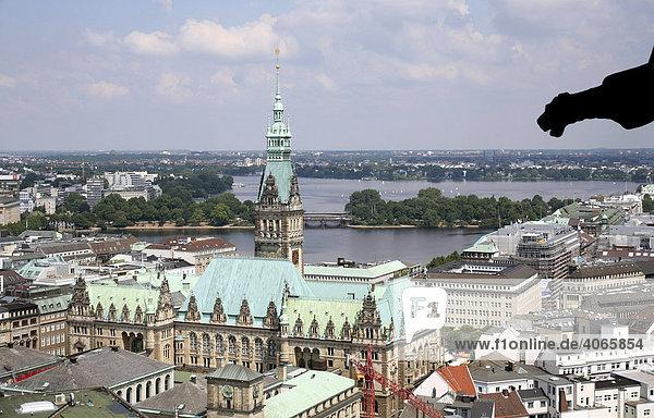 Rathaus  Binnenalster  Außenalster  Hamburg  Deutschland  Europa