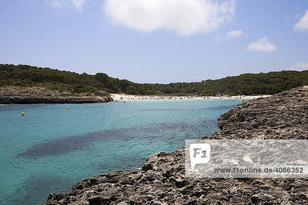 Badebucht S'Amarador bei der Bucht Cala Mondrago  Naturschutzgebiet Mondrago  Mallorca  Balearen  Spanien  Europa
