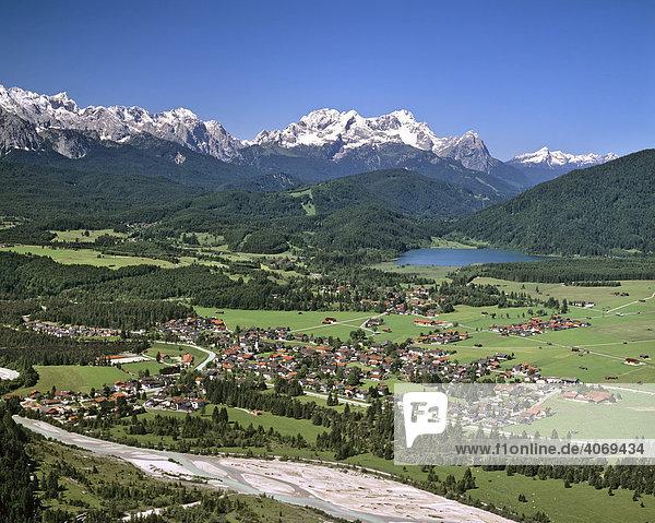 Barmsee bayern deutschland europa isartal luftbild oberbayern wettersteingebirge kr n an - Vogelperspektive englisch ...