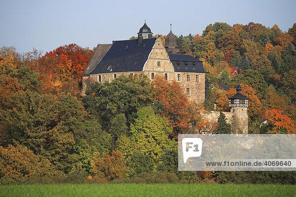 Schloss Wernstein im Landkreis Kulmbach  Oberfranken  Bayern  Deutschland  Europa