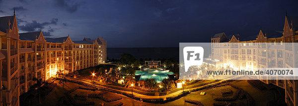 Hotelanlage während der blauen Stunde  Rio Ochos  Jamaika  Karibik  Mittelamerika