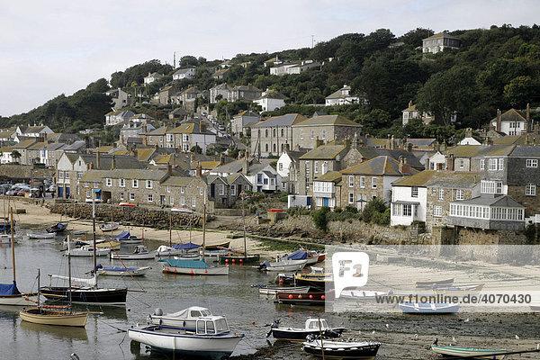 Hafen  Mousehole  Cornwall  Südengland  Großbritannien  Europa