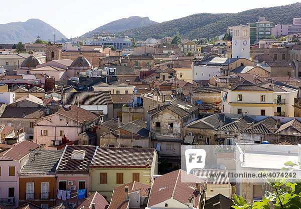 Blick über die Dächer der Altstadt von Iglesias  Sardinien  Südwesten  Italien  Europa