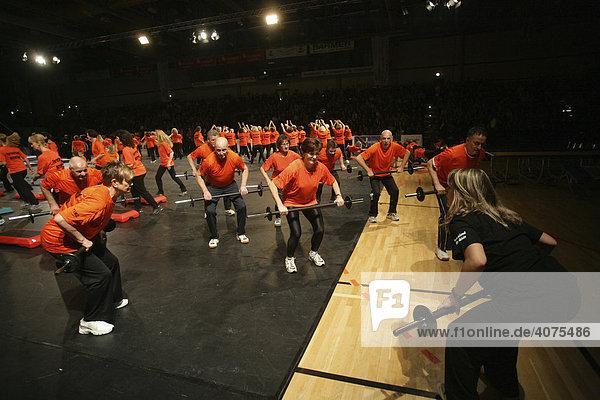 DTB-Turngala Gymmotion 2008 in der Koblenzer Sporthalle Oberwerth  Opening mit Turnern des Turnverbandes Mittelrhein  Koblenz  Rheinland-Pfalz  Deutschland  Europa