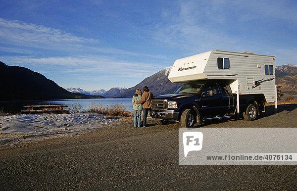 Reisen auf dem Alaska Highway  Yukon Territorium  Kanada  Nordamerika