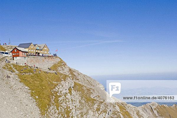 Das Bergrestaurant Säntis  Säntis Gipfel  Schweiz  Europa