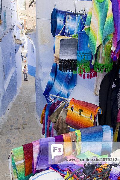 Teppichladen in Chefchaouen  Marokko  Afrika
