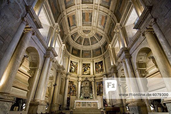 Hieronymus Kloster  Innenansicht hinterer Altar  Lissabon  Portugal  Europa