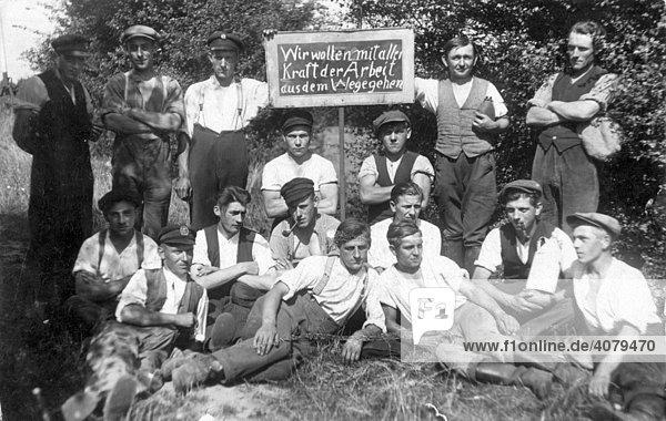 Gegen Arbeit  historische Aufnahme  ca.1920