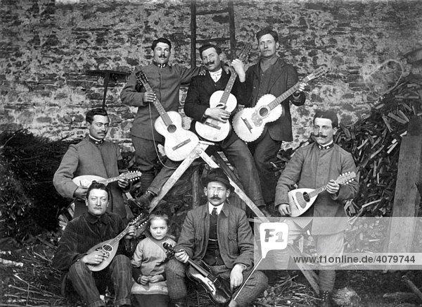 Historische Aufnahme  Männerband  ca. 1920