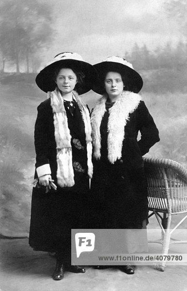 Historic photo  twins  ca. 1915