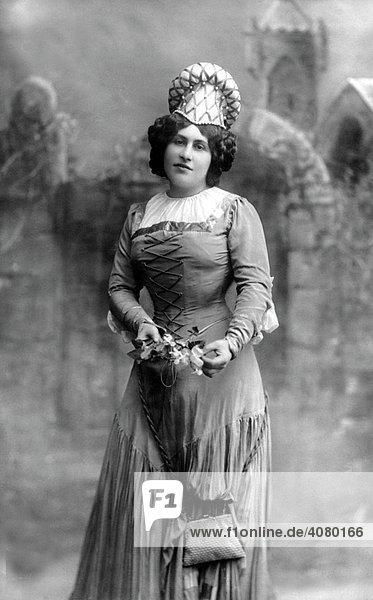 Historische Aufnahme  Mode  ca. 1910