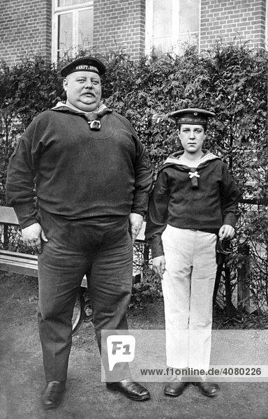 Historische Aufnahme  zwei Marinesoldaten  ca. 1914