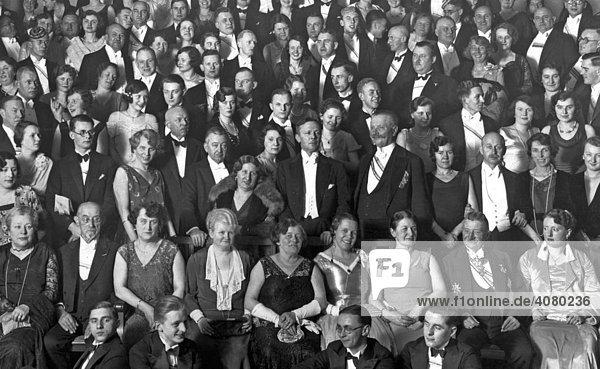 Historische Aufnahme  große Gruppe  ca. 1925