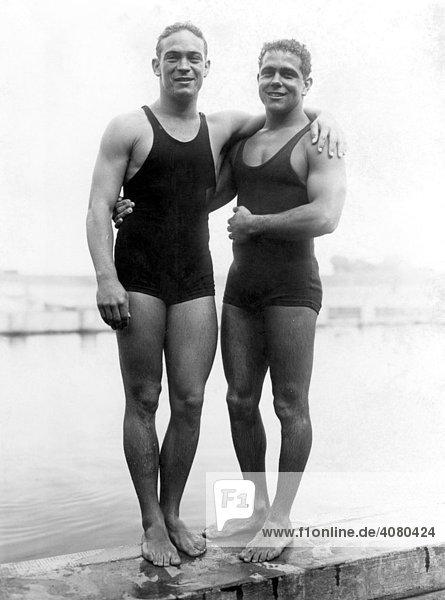 Historische Aufnahme  Wassersportler  ca. 1932