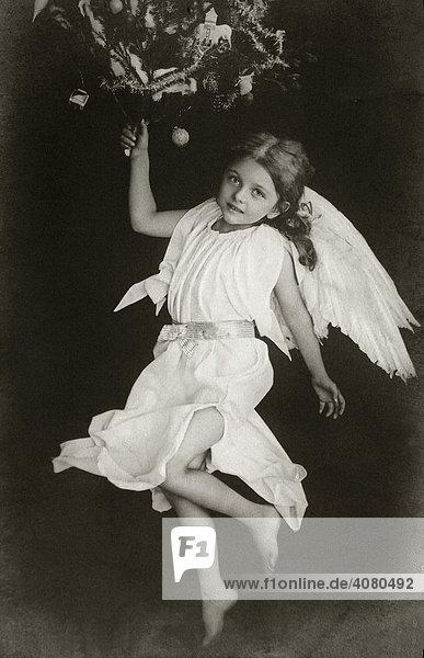 Angel  historic photograph  around 1915