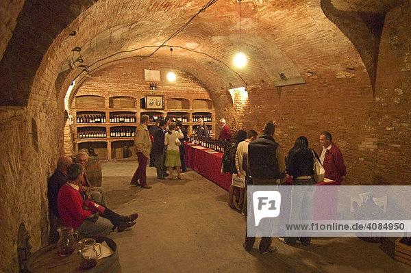 Portacomaro nördlich von Asti Piemont Piemonte Italien Fest der Weinsorte Grignolino