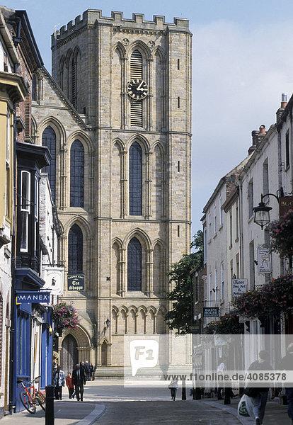 Ripon North Yorkshire England Grossbritanien Kathedrale Westfront