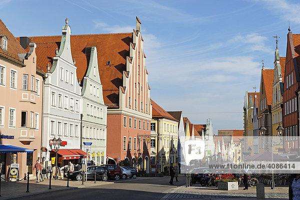 Donauwörth Schwaben Bayern Deutschland Reichsstrasse mit dem ehemaligen Tanzhaus