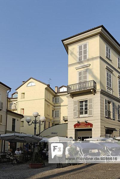 Asti Piemont Italien Bar in der Altstadt