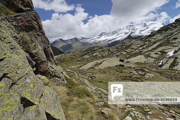 Gran Paradiso Nationalpark zwischen Piemont und Aostatal Italien Grajische Alpen auf der Hochebene dem Plan di Nivolet alter verbindungsweg zum Val Salvaranche