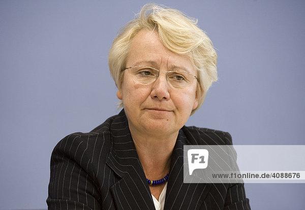 Annette SCHAVAN ( CDU )  Bundesministerin für Bildung und Forschung  in der Bundespressekonferenz. DEUTSCHLAND  BERLIN.