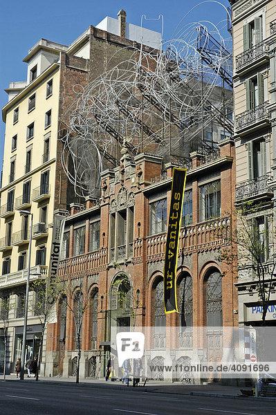 Fundacio Antoni Tapies mit der Plastik Wolke und Stuhl  Architekt Lluis Domenech i Montaner  Museum  Barcelona  Katalonien  Spanien